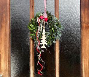 door-wreath-1065410_960_720