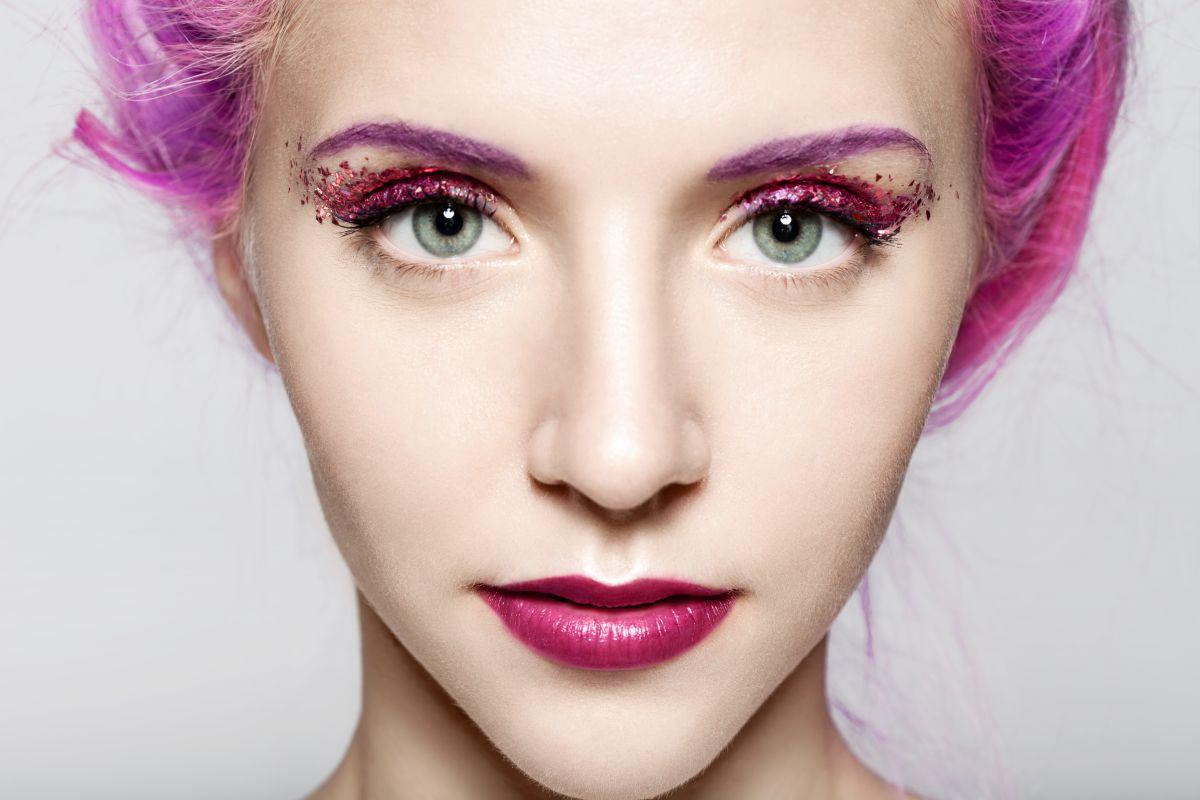 brokatowy makijaż, makijażowe trendy